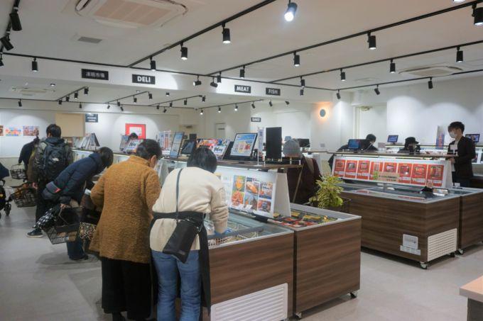 冷凍機器メーカー行うテクニカン(神奈川県/山田義夫社長)が出店した冷凍食品専門店「TŌMIN FROZEN」