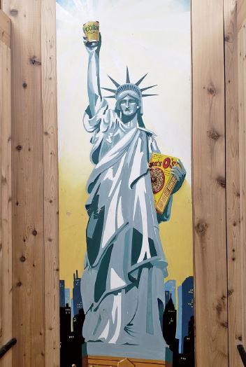 トレーダー・ジョーズ店内に描かれた自由の女神