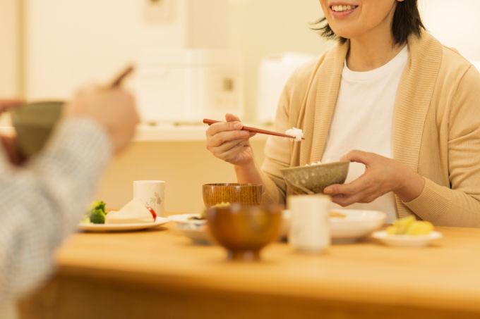 コロナかでの食事イメージ