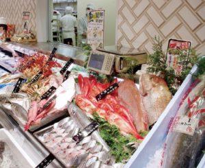 イズミヤ「寝屋川店」の水産部門