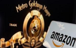 アマゾンとMGMのロゴ