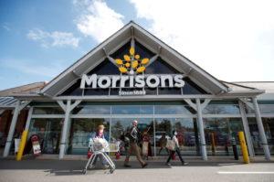 英戦とオールバンズのモリソンズ店舗