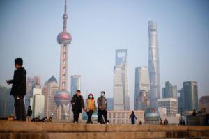 上海市のバンド地区からみた高層ビル群